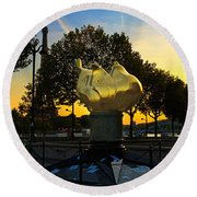 The Flame Of Liberty In Paris Round Beach Towel