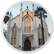 Charleston French Huguenot Church Round Beach Towel