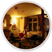 The George Inn Middle Wallop Round Beach Towel
