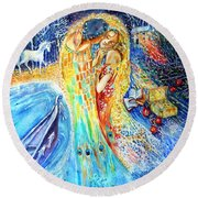 The Homecoming Kiss After Gustav Klimt Round Beach Towel