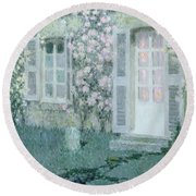 The House With Roses Round Beach Towel