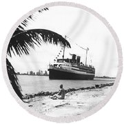 The Iroquois In Biscayne Bay Round Beach Towel