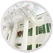 The Jay House At Christmas Round Beach Towel