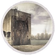 Apocalypse Brooklyn Waterfront - Brooklyn Ruins And New York Skyline Round Beach Towel by Gary Heller