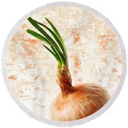The Lonely Onion Round Beach Towel