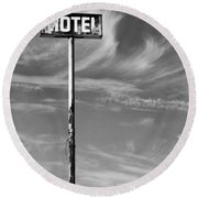 The Motel Bw Palm Springs Round Beach Towel