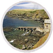 The Old Lizard Lifeboat Station Round Beach Towel