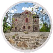 The Old Sone Barn At The Highlands Round Beach Towel