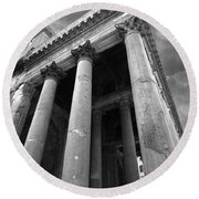 The Pantheon In Rome Bw Round Beach Towel