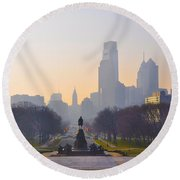 The Parkway In The Morning Round Beach Towel