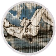 The Reader Round Beach Towel