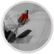 The Red Rose Round Beach Towel