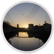 The River Swiffey At Sunrise - Dublin Ireland Round Beach Towel