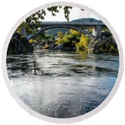 The Rogue River At Gold Hill Bridge Round Beach Towel