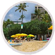 The Scene At Waikiki Beach Round Beach Towel