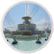 The Scott Fountain On Belle Isle Round Beach Towel