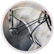 The Show Horse Stride Round Beach Towel