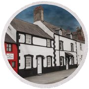 The Smallest House In Great Britain Round Beach Towel