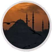 The Suleymaniye Mosque At Sunset Round Beach Towel