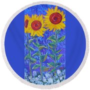The Tall And Short Of It Round Beach Towel