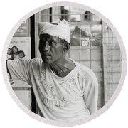 The Worker In Cochin Round Beach Towel