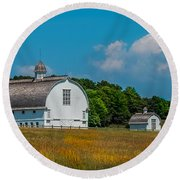 Three White Barns Round Beach Towel