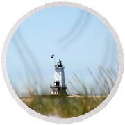 Through The Grass Round Beach Towel