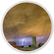 Thunderstorm Hunkering Down On The Farm Round Beach Towel