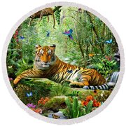Tiger In The Jungle Round Beach Towel