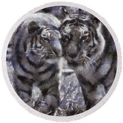 Tigers Photo Art 02 Round Beach Towel