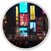 Times Square Crowds Round Beach Towel