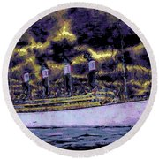 Titanic Screams Round Beach Towel