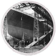 Titanic Under Construction Round Beach Towel