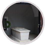 Tomb Georg Washington Round Beach Towel