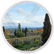 Top Of A Hill Town Round Beach Towel