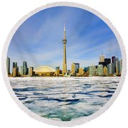 Toronto Skyline In Winter Round Beach Towel