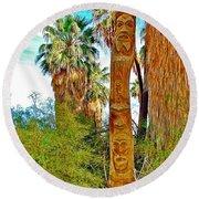 Totem Pole In Coachella Valley Preserve-california Round Beach Towel