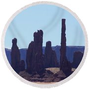 Totem Pole In Monument Valley Round Beach Towel
