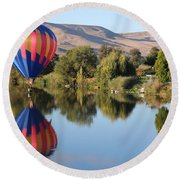 Touchdown On The Yakima River Round Beach Towel