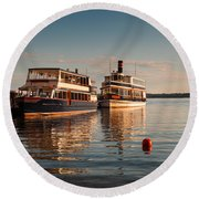 Tour Boats Lake Geneva Wi Round Beach Towel