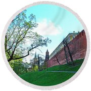 Tower And Wall From Park Outside Kremlin In Moscow-russia Round Beach Towel