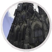Tower Scaffolding Cologne Cathedral Round Beach Towel