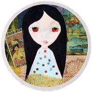 Traveling Little Girl Round Beach Towel