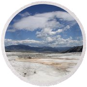 Travertine Hill Of Mammoth Hot Springs  Round Beach Towel