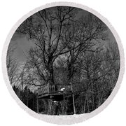 Tree House In Black And White Round Beach Towel