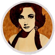 Tribute To Elizabeth Taylor Coffee Painting Round Beach Towel