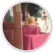 Little Italy - Rustic Door Round Beach Towel