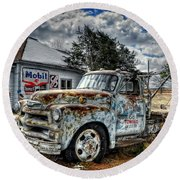 Tucumcari Towing Round Beach Towel
