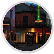 Tujagues At Night In New Orleans Round Beach Towel