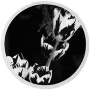 Tulip Group In Black And White Round Beach Towel